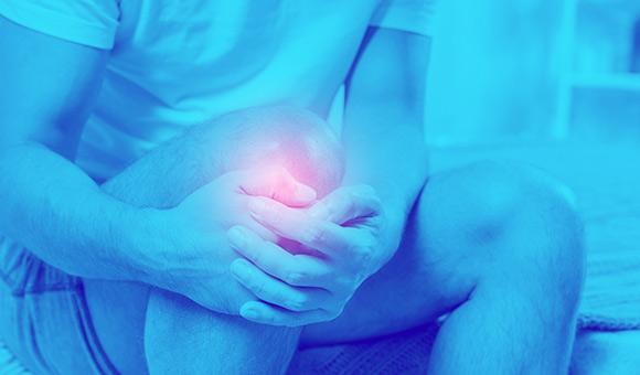 Dolore al ginocchio: le differenti patologie e terapie